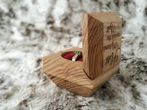 Personalise engagement ring box