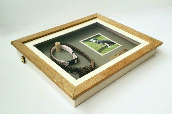 Medium Oak Pet memorial frame side