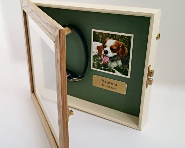 Small Oak Pet memorial Frame open